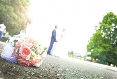 wedding-442895_1920-400x270-MM-100.jpg